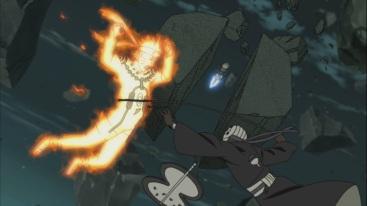 Kakashi comes to help Naruto from Tobi