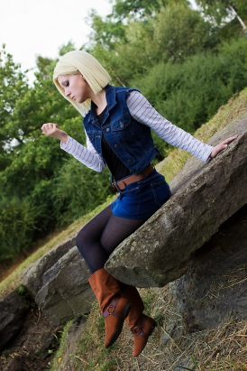 Android 18 Cosplay 2 by Lie-chee