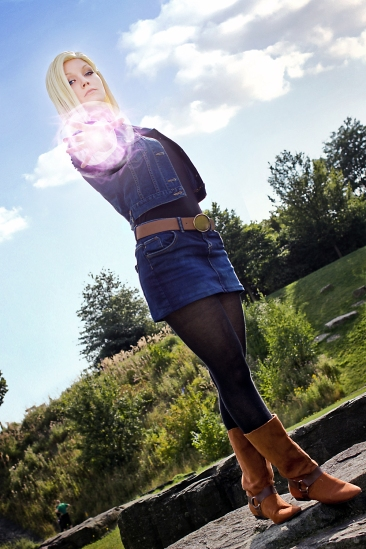 Android 18 Energy Ball Cosplay by Lie-chee
