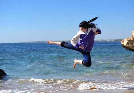 Hinata's kick cosplay by Milena104