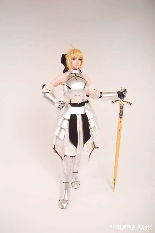 Saber Lily Battle Cosplay by kirikosan