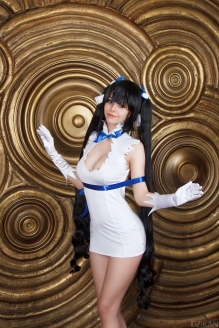 Hestia Cosplay DanMachi By Disharmonica