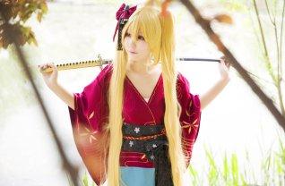 naruto-uzumaki-cosplay-sword-by-himeogi
