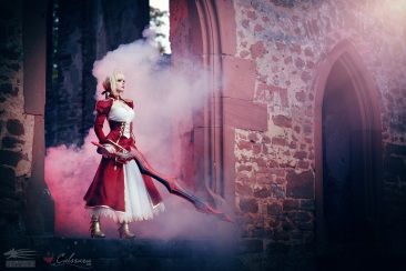 fate-extra-saber-nero-cosplay-by-calssara