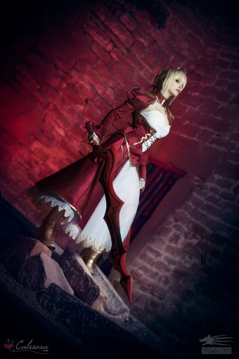 saber-nero-fate-extra-cosplay-by-calssara