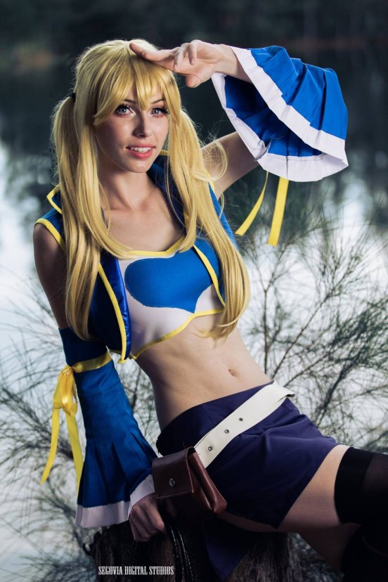 fairy-tail-lucy-cosplay-by-megancoffey