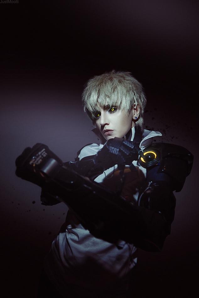 demon-cyborg-genos-cosplay-by-geshapetrovich