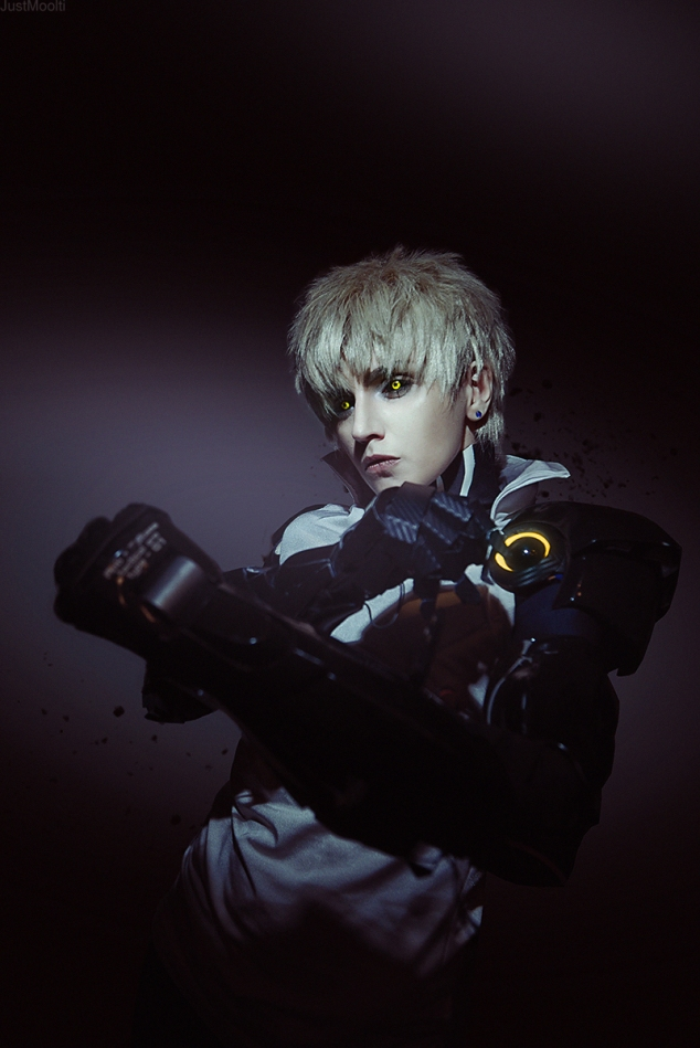 demon-cyborg-genos-cosplay-by-geshapetrovich