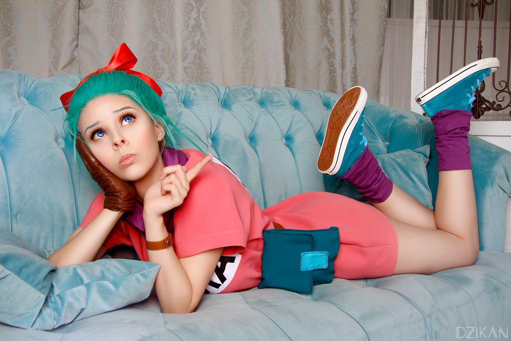 Dragon ball z bulma cosplay